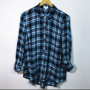 Crown and Ivy plaid long sleeve size large